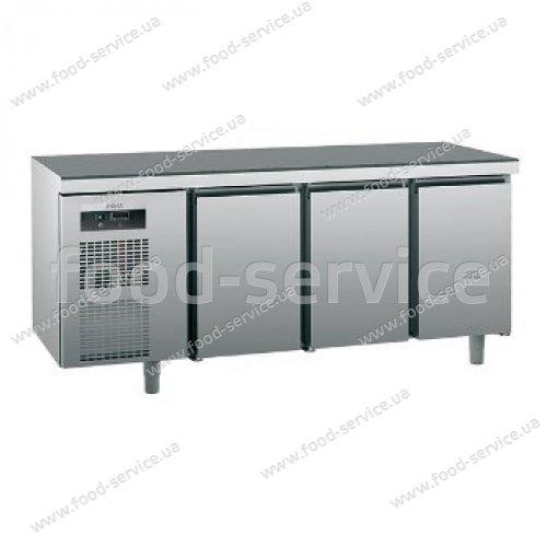 Стол холодильный трехдверный  Sagi KUEBM