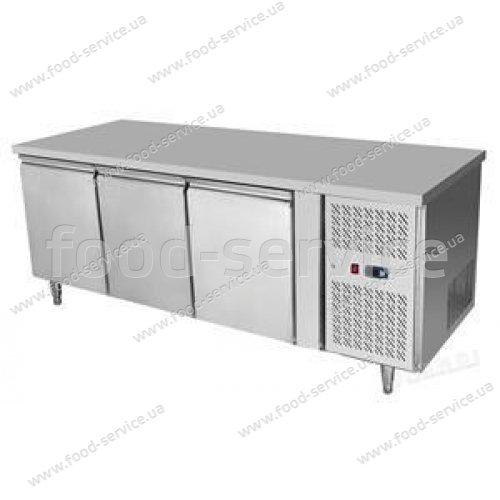 Стол холодильный 3-х дверный Hendi 232057